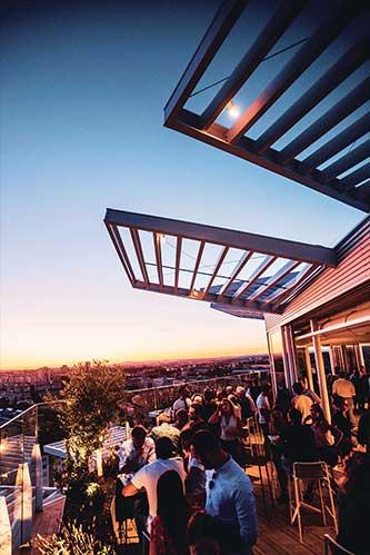 terrasse restaurant l'arbre vue nuit l'arbre